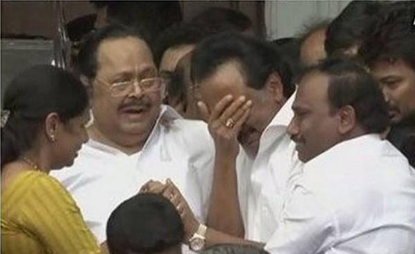 karunanidhi , DMK , MK Stalin , chennai , ഡിഎംകെ , എം കരുണാനിധി , രാജാജി , പൊലീസ് , എടപ്പാടി പളനിസ്വാമി