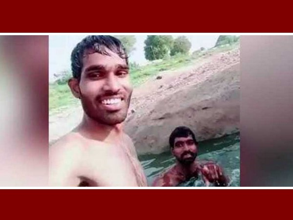 tiktok video , hyderabad , police , പൊലീസ് , ടിക് ടോക് , നരസിംഹലു , ആശുപത്രി