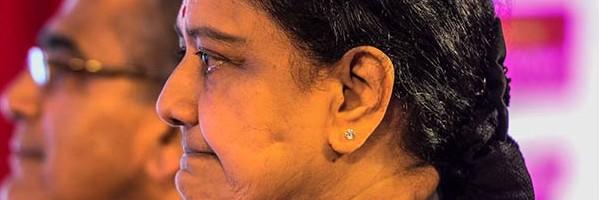 Sasikala natarajan , koovathur resort , OPS , tamilnadu , Sasikala , Sasikala Vs Panneerselvam , jayalalitha , Amma death, jaya , chennai , ശശികല നടരാജന് , പനീര് സെല്വം , ഒപി എസ് , ശശികല , ജയലളിത, അമ്മ , മറീന ബീച്ച്