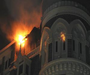 मुंबईत दहशतवादी हल्ला