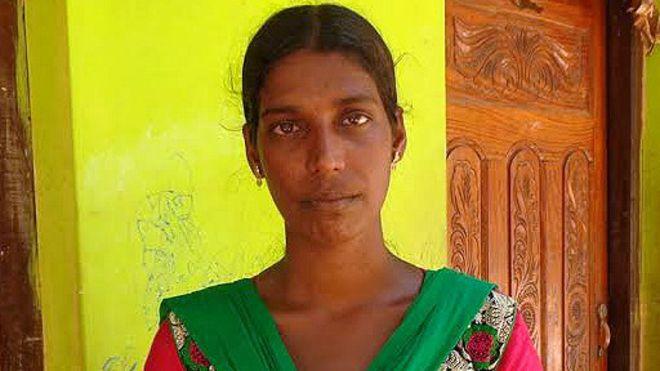 சிகிரியா குன்றோவியச் சுவரில் கிறுக்கிய பெண் விடுதலை