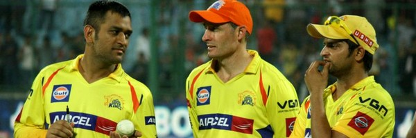 Mike Hussey_MS Dhoni