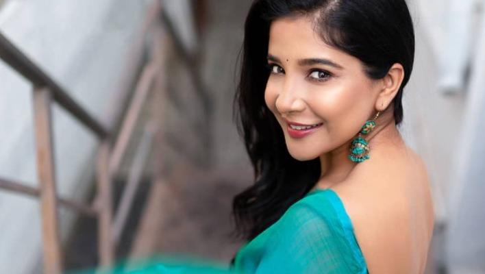 Actress sakshi