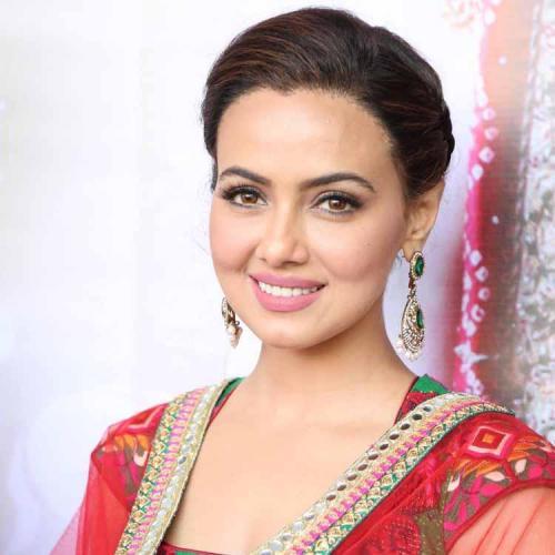 நடிகை சானா கான் ஆல்பம்!