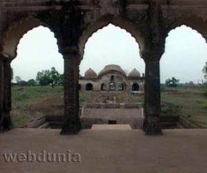 புலாரா மஹால்
