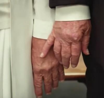 trump hand