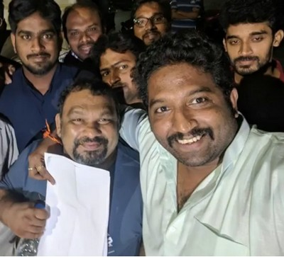 kathi - pawan fans selfie
