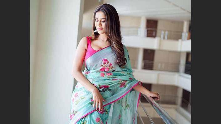 Latest pictures of beautiful Nabha Natesh in Saree