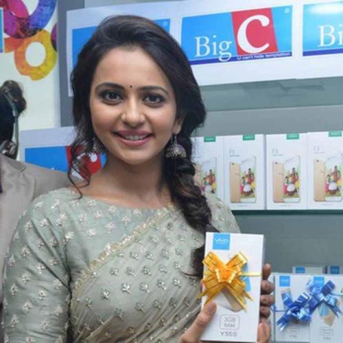 రకుల్ ప్రీత్ సింగ్ బిగ్ సి ప్రారంభం ఫోటోలు